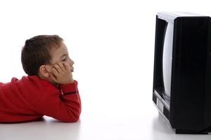 television_chicos_puerto_crianza