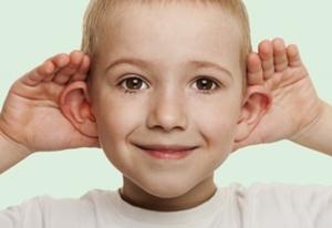 niños_problemas_auditivos_puerto_crianza
