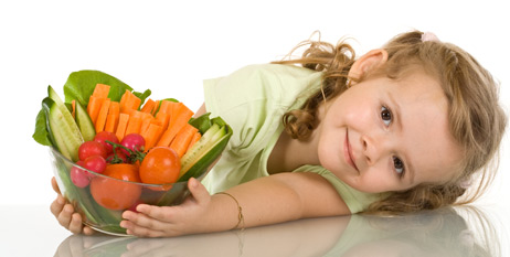niños comer verduras